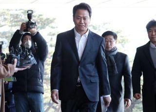 檢 포토라인 선 임종석에 민주당은 '지원사격'…언론플레이로 선동하나