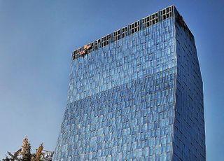 SKT, 작년 매출 17조7437억…신사업 성장에 '사상 최대'