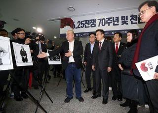 '안보 선점' 한국당, 태영호 영입 이어 천안함 전우회장 만나