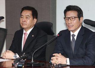 """정병국 """"유승민, 총선 불출마 변함없겠지만 역할할 것"""""""
