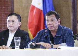 """[코로나19] 필리핀 확진 12명 추가…""""두테르테 대통령은 음성"""""""