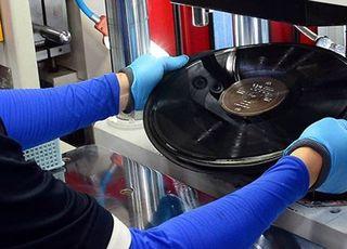 [D:기획┃음악을 소장하다①] LP·CD·스트리밍…소장에서 소비로 변한 음악