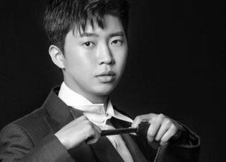 [D:FOCUS] '미스터트롯' 眞임영웅, 모델 뺨치는 반전 슈트핏