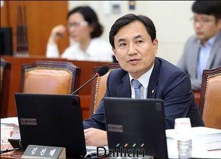 [총선2020] 후보토론회 후폭풍…허영·김진태·엄재철 난타전