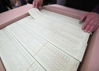 [총선2020] '조국 선거' 이용하는 與野…지지층 결집엔 효과, 중도층 민심엔?