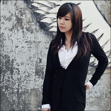 교통사고 소식이 알려져 팬들을 안타깝게 하고 있는 가수 원준희.