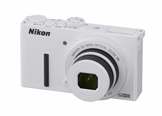 니콘 콤팩트 디지털 카메라 쿨픽스 P340 화이트 모델.ⓒ니콘이미징코리아