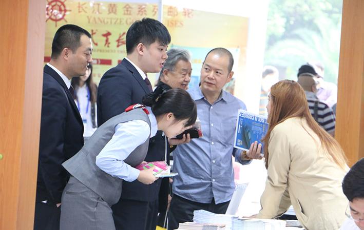 중국여유연구원은 2016년 전체 유커(중국인 관광객)의 수는 44억8800만 명에 달하고 이들로 인한 수입은 855조원에 달할 것으로 추산했다. (자료사진) ⓒ해양수산부 제공