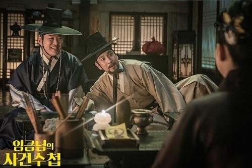 배우 이선균 안재홍의 영화