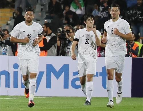 이란이 우즈베키스탄을 완파하고 러시아월드컵 진출을 조기 확정했다. ⓒ 연합뉴스