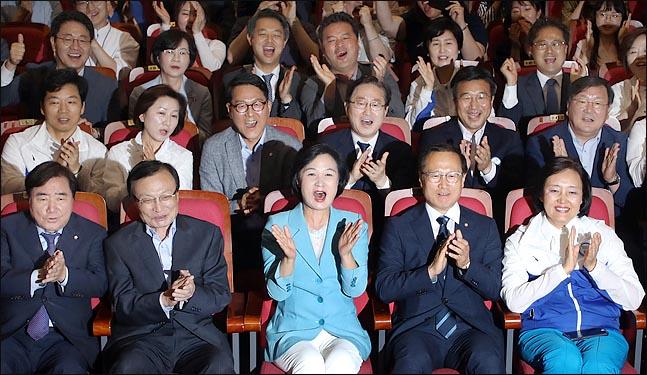 30대, 충청 지역, 민주당 지지층에서 민주당의 지방선거 압승 배경으로 문재인 대통령을 꼽았다.ⓒ데일리안 박항구 기자