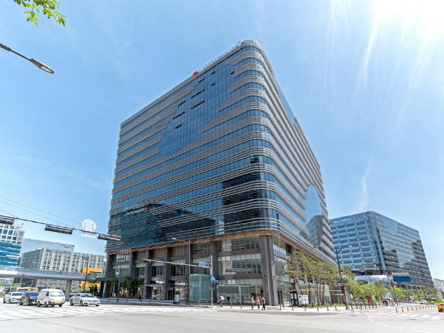 경기도 성남시 분당구 판교역로 152 알파돔타워 14층에 위치한 카카오게임즈 사옥. ⓒ 카카오게임즈