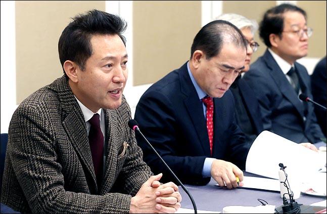 오세훈 자유한국당 국가미래비전특별위원장이 2일 오전 국회에서 열린 특위 세미나에서 모두발언을 하고 있다. ⓒ데일리안 박항구 기자