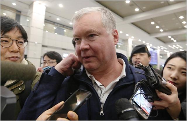 스티브 비건 미 국무부 대북특별대표가 지난 3일 오후 인천공항에서 제2차 북미 정상회담 준비를 위한 북측과의 협상을 위해 입국하고 있다. ⓒ데일리안