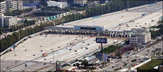 연휴 마지막날인 3일 오전, 전국 고속도로가 대체로 원활한 소통을 보이고 있다(자료사진). ⓒ데일리안