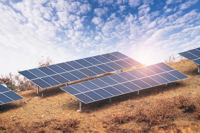 오는 2040년 재생에너지 발전비중을 25~40%로 권고한 3차 에너지기본계획 워킹그룹은 지난달 말 30~35%로 수정했다.(자료사진)ⓒ게티이미지뱅크