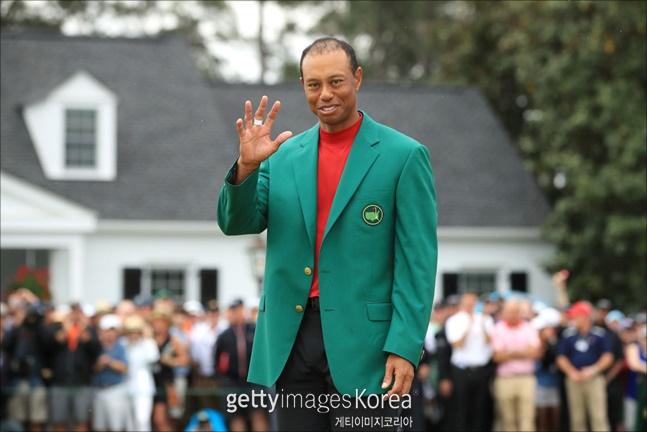 '골프 황제' 타이거 우즈(미국)의 우승을 점친 누군가는 순식간에 돈방석에 앉게 됐다. ⓒ 게티이미지