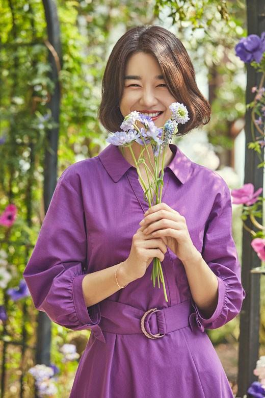 배우 서예지의 로맨틱 화보가 공개됐다. ⓒ올리비아로렌