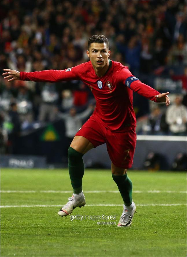 네이션스리그 초대 우승에 도전하는 포르투갈 호날두. ⓒ 게티이미지