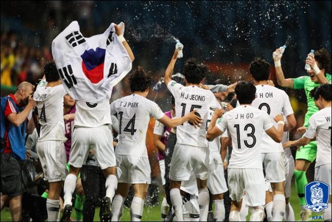 한국을 승리로 이끌고 우승컵을 들어 올린다면, 마라도나-메시-포그바 등이 차지했던 골든볼(MVP)도 따라올 수 있다. ⓒ 대한축구협회