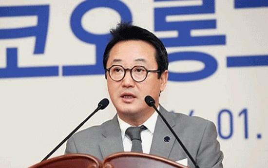 지난해 11월 경영 일선에서 물러난 이웅렬 전 코오롱그룹 회장에 대한 검찰 수사가 본격화되고 있다. ⓒ코오롱그룹