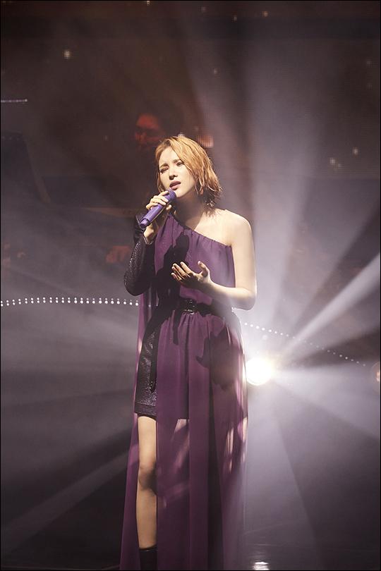 가수 거미가 6번째 전국투어 콘서트를 성황리에 마쳤다. ⓒ 씨제스엔터테인먼트