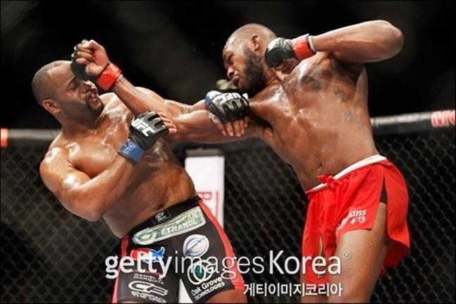 [UFC] 미오치치는 라이트헤비급 챔피언 존 존스가 코미어를 연파했을 때의 방법을 참고해야 한다. ⓒ 게티이미지