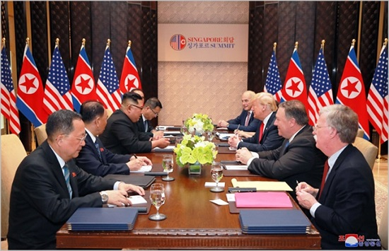 지난 6월 싱가포르에서 북미정상회담이 개최되고 있다. ⓒ조선중앙통신