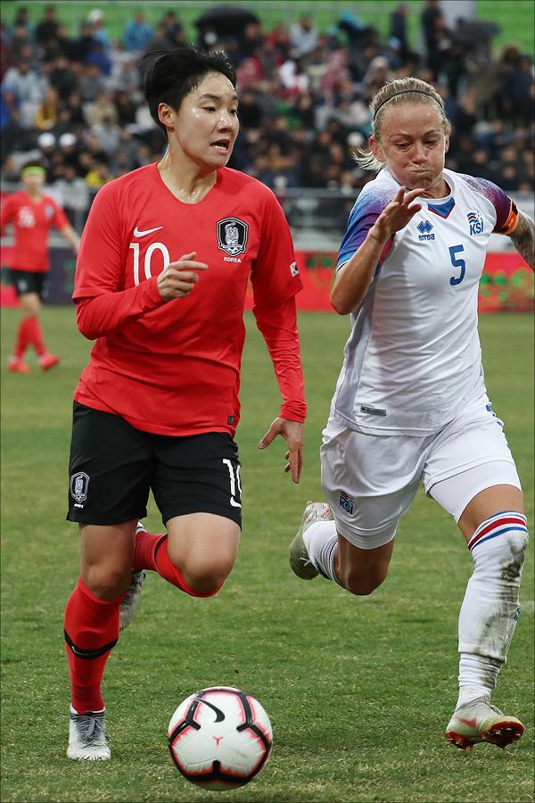 한국 여자 축구 대표팀 공격수 이금민(25)이 맨시티 유니폼을 입고 유럽축구연맹(UEFA) 여자 챔피언스리그 무대서 데뷔전을 치렀다. ⓒ 데일리안 홍금표 기자