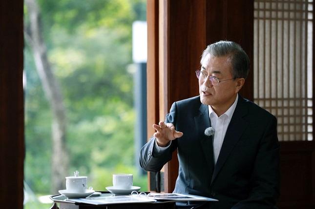 문재인 대통령은 13일 오후 KBS 1TV에서 방영한