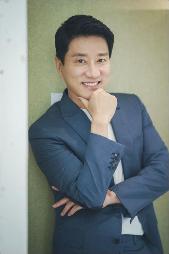 배우 김명민은