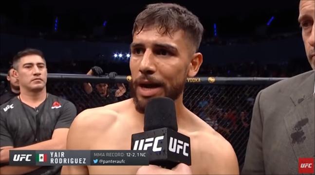 UFC 페더급 로드리게스가 써밍으로 무효 선언된 것에 대해 스티븐스와 팬들에게 사과의 말을 전하고 있다. UFC 유튜브채널 캡처