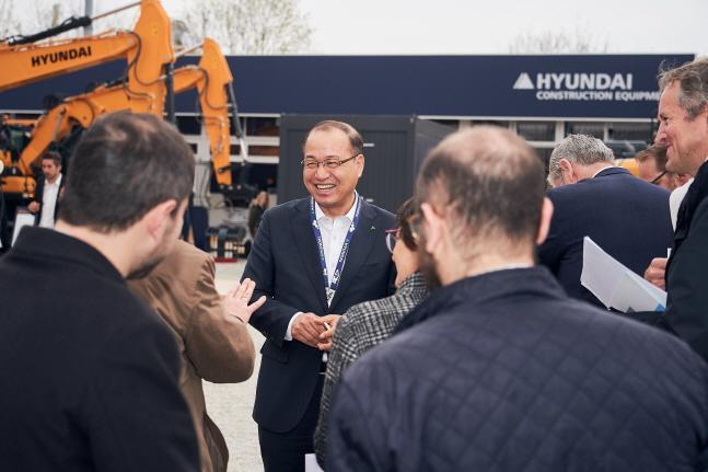 현대건설기계 공기영 사장이 독일 뮌헨에서 열린