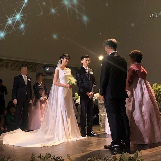 프로듀서 프라이머리와 모델 남보라가 결혼했다.배정남 SNS 캡처