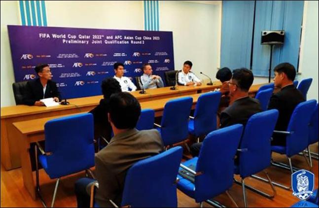 파울루 벤투 감독이 북한과의 경기를 앞두고 기자회견에 임하고 있다. ⓒ 대한축구협회