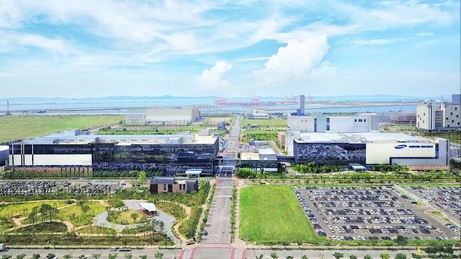 국내 제약·바이오 기업들이 중국 진출 준비에 한창이다. 사진은 삼성바이오로직스 공장 전경. ⓒ삼성바이오로직스