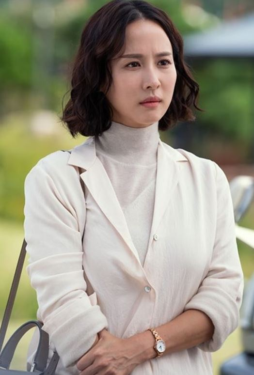 KBS 2TV 새 수목드라마 '99억의 여자'가 조여정의 캐릭터 스틸을 공개했다.ⓒ