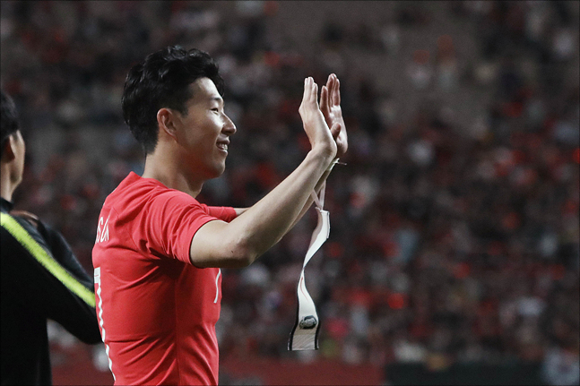 2019 AFC 어워즈에서 손흥민이 '올해의 국제선수상'을 수상했다. ⓒ 데일리안 홍금표 기자