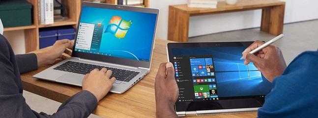 마이크로소프트 운영체제(OS) '윈도우7'(왼쪽)과 '윈도우10'을 이용하는 모습.ⓒ마이크로소프트