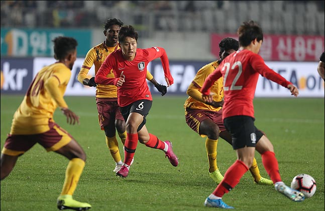 부상 중인 이강인의 U-22대표팀 차출을 놓고 여러 의견이 분분하다. ⓒ 데일리안 박항구 기자