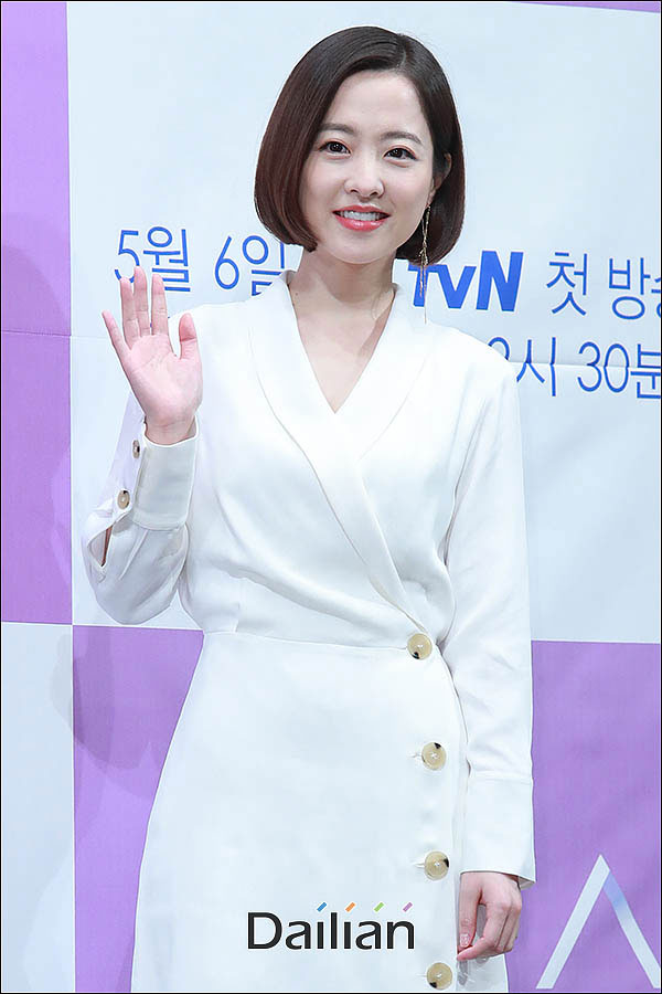 배우 박보영이 선배 김희원과 열애설을 부인했다.ⓒ데일리안 류영주 기자