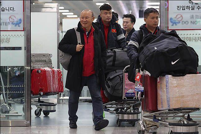 베트남은 북한과의 최종전에서 최대한 많은 골을 넣고 승리해야 한다. 베트남이 최약체로 평가 받는 북한을 상대로 이긴다는 가정 하에 UAE와 요르단의 경기가 승패가 갈린다면 베트남이 8강행 티켓을 극적으로 거머쥘 수 있다. ⓒ 데일리안 류영주 기자