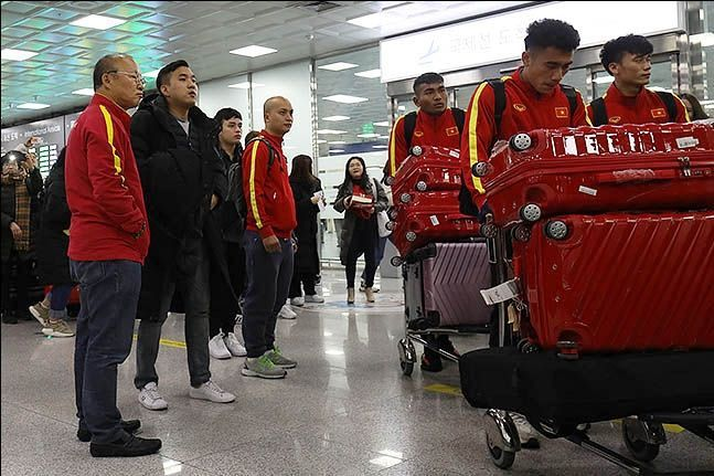 지난해 경남 통영에서 전지훈련 마치고 출국하는 베트남 축구대표팀.ⓒ 데일리안 류영주 기자