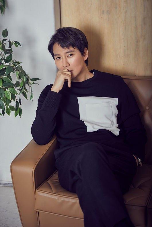 배우 김남길이 지난해 연기대상을 수상한 것과 관련해 소회를 밝혔다. ⓒCJ엔터테인먼트