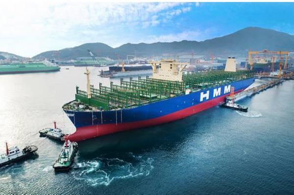 지난해 12월 말 대우조선해양 옥포조선소에서 진행된 현대상선의 2만4000TEU급 컨테이너선 진수식. ⓒ현대상선