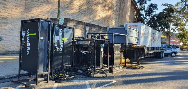 삼성전자 '갤럭시 언팩 2020'이 열리기 하루 전인 10일(현지시간) 미국 샌프란시스코 팰리스 오브 파인 아트 건물 뒤편에 행사를 위한 장비들이 늘어서 있다.ⓒ데일리안 김은경 기자