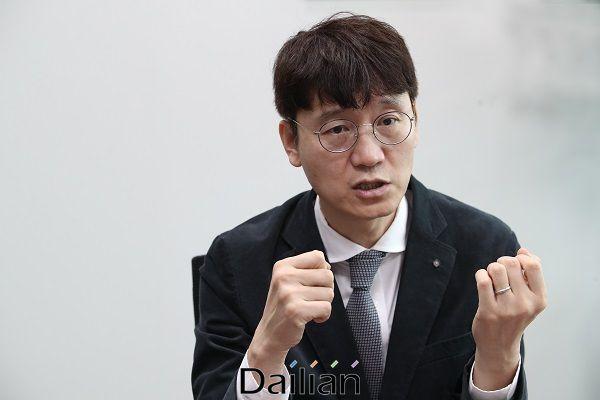 미래통합당 소속의 김웅 전 부장검사가 19일 오후 국회 의원회관에서 데일리안과 인터뷰를 갖고 있다. ⓒ데일리안 류영주 기자