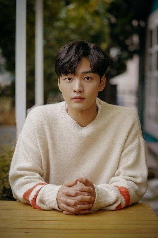 배우 김민재는 SBS