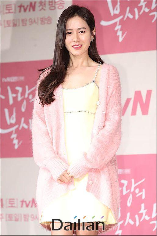 배우 손예진이 코로나바이러스감염증-19(코로나19) 피해 지원을 위해 기부 행렬에 동참했다.ⓒ데일리안 류영주 기자