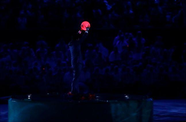 리우올림픽 폐막식 당시 슈퍼 마리오 모자 쓰고 등장한 아베 총리. ⓒ 뉴시스